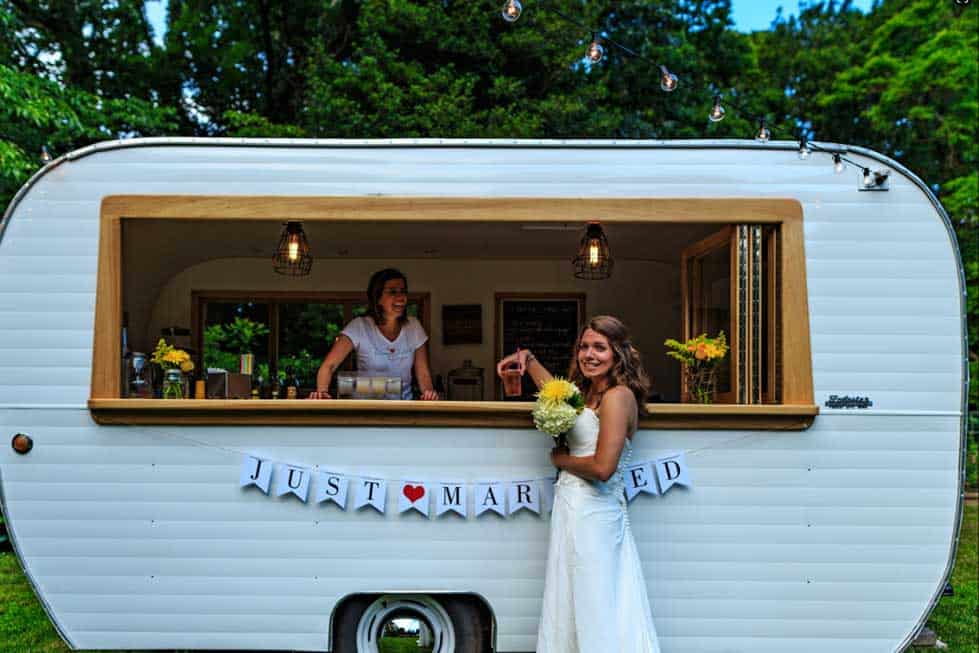 renting food truck for wedding